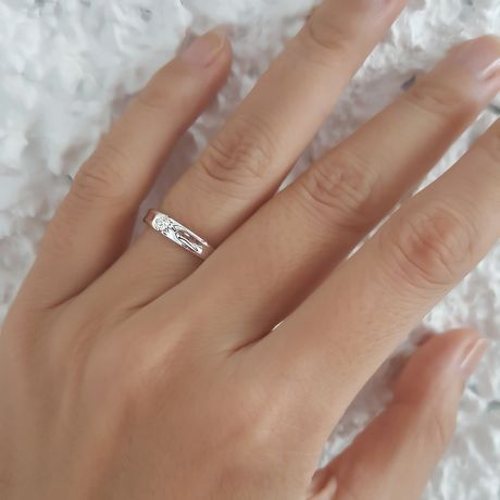 Alliance fleur platine et diamant - Alliance Femme