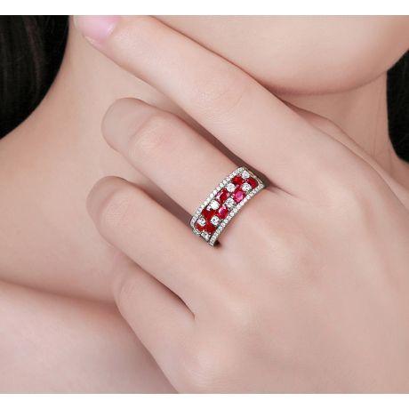 Bague damier Or blanc. Rubis et diamants alternés
