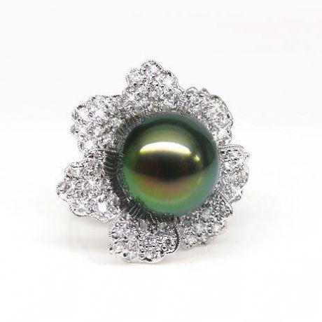 Bague perle de Tahiti - Pétales, fleur pavée de diamants - Or blanc
