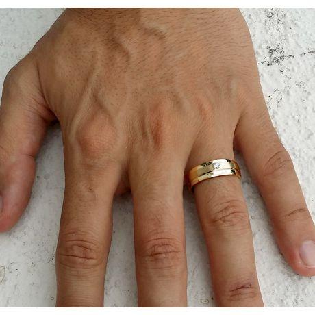 Bague anneau moderne Homme - Or jaune et Diamant central 0.083ct