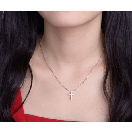 Pendentif religieux forme croix Or blanc, Diamants