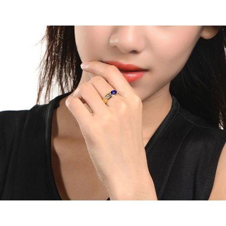 Bague contraste Saphir et Diamants taille émeraude. Or jaune 18