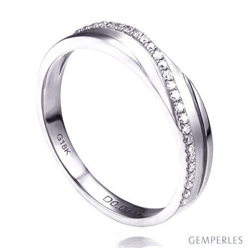 Alliance anneau de prestige. Union symbolique. Diamants, Platine