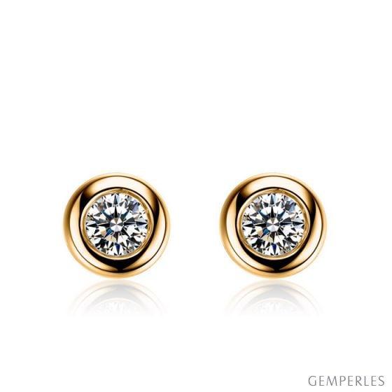 Puces diamants serties clos 0.20ct. Or jaune. Carat personnalisable