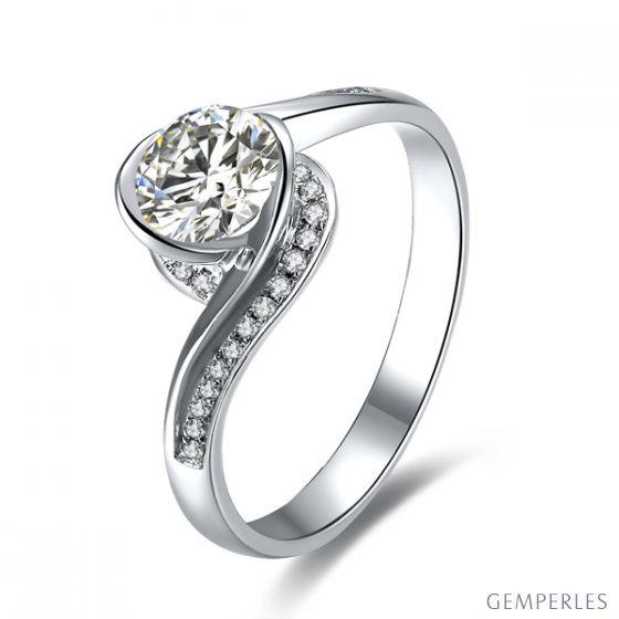 Diamants 0.57ct sur solitaire bague or blanc - A une Madone