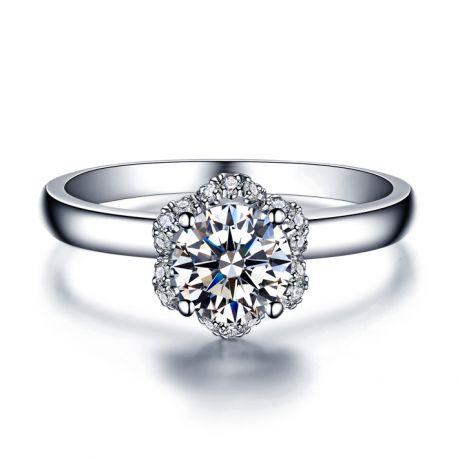 Solitaire bague diamanté & Or blanc. Captivante renoncule