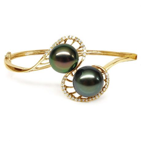 Bracelet perles de Tahiti noires sur jonc d'or jaune et diamants