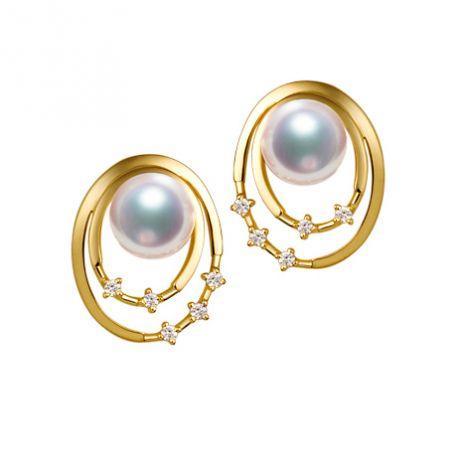 Boucles oreilles perles Akoya, Or jaune, diamants. Motif double cercle