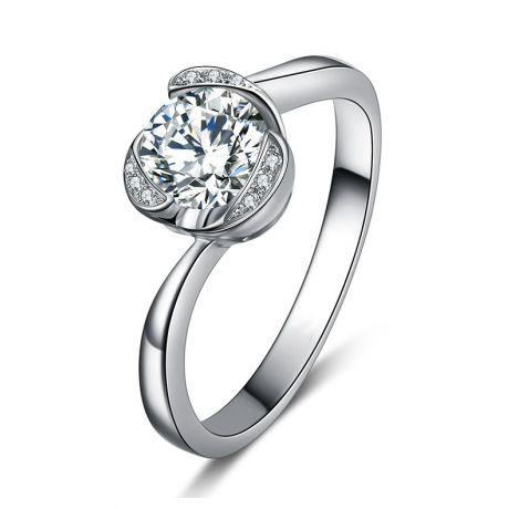 Bague solitaire or blanc 18 carats - Forme coeur - Diamants 0.35ct