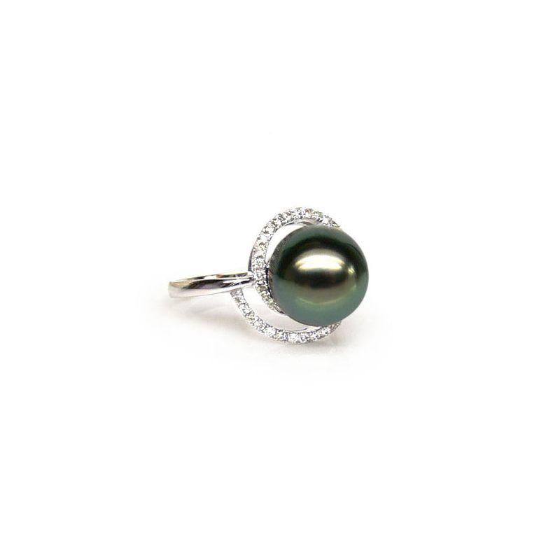 Bague or blanc - Perle de Tahiti encerclée - Diamants sertis griffes