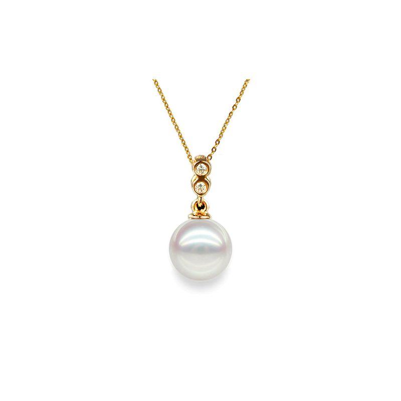Pendentif perle Akoya 8/8.5mm. Or jaune, sertis 2 diamants