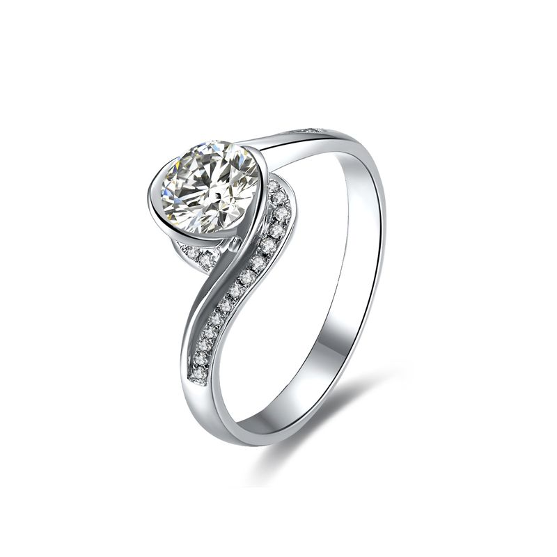 Diamants 0.57ct sur solitaire bague or blanc - A une Madone