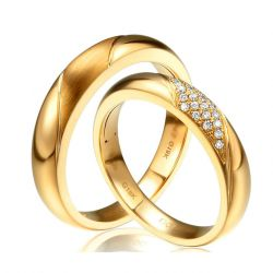 Alliances homme et femme duo couple Or jaune et diamants
